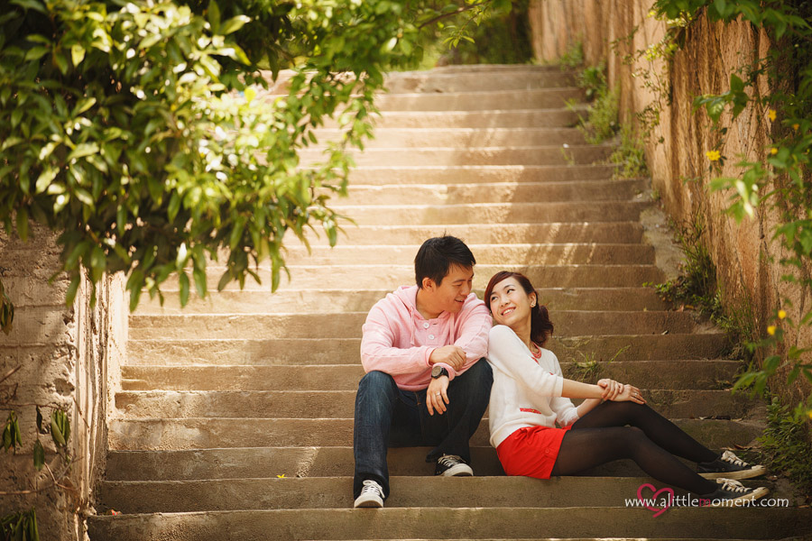 Shanghai and Hangzhou Pre-Wedding of Yun Jia and Wee Jian by Sze Lee from A Little Moment Photography Singapore.