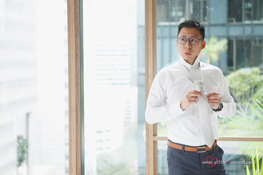 The Wedding Day of Jiamin and Alastair at ParkRoyal on Pickering Hotel by Sze Lee from A Little Moment Photography Singapore