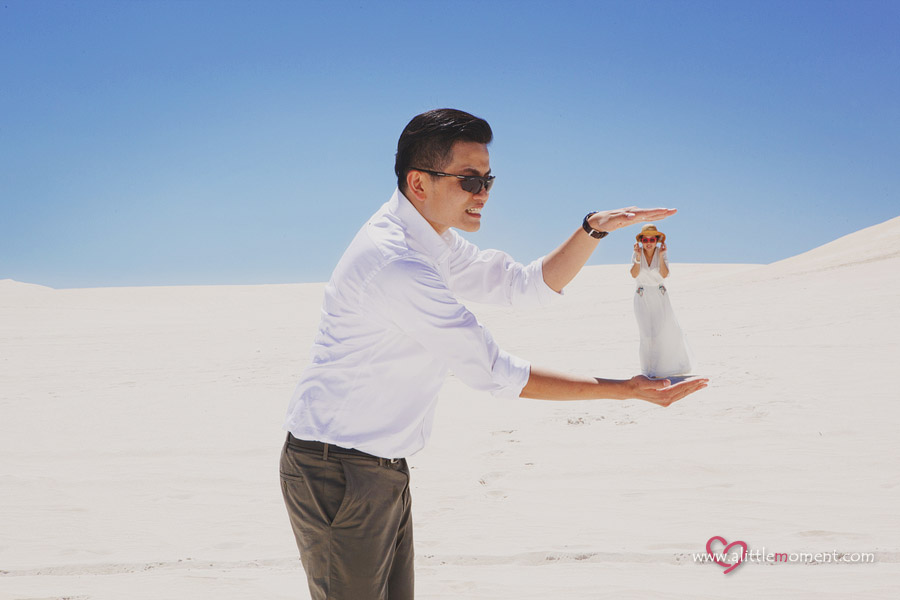 Agnes and Bobby's Perth Pre-Wedding at Lancelin Sand Dunes by Sze Lee from A Little Moment Photography Singapore