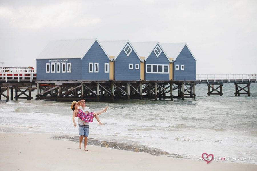 Agnes and Bobby's Perth Pre-Wedding at Busselton Jetty by Sze Lee from A Little Moment Photography Singapore